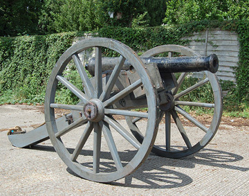 reproduction British 6pounder field artillery cannon. 1776-1815