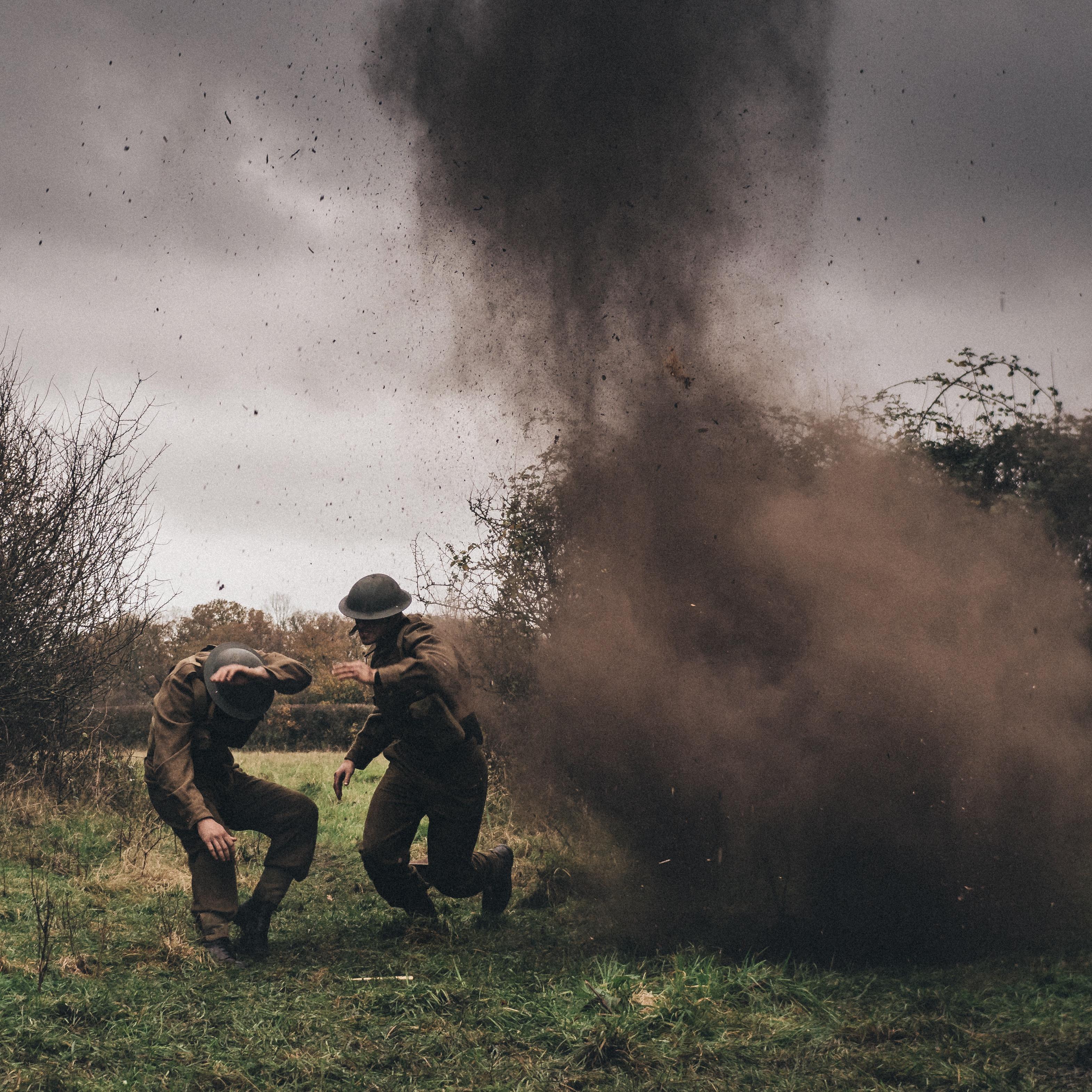 Bomb Blast-Dust Lifter